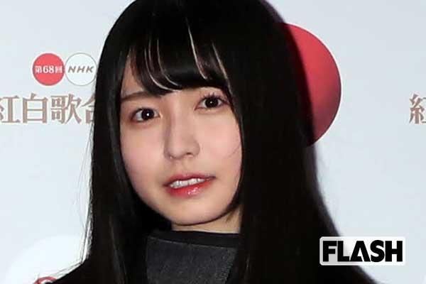 写真集17万部突破の欅坂46「長濱ねる」がコンビニで赤面