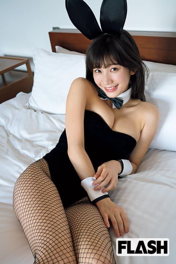 小倉優香「マックスバニー」