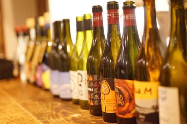 ワイン2000本所有「嵐・二宮和也」が中丸雄一を自宅に招いて乾杯