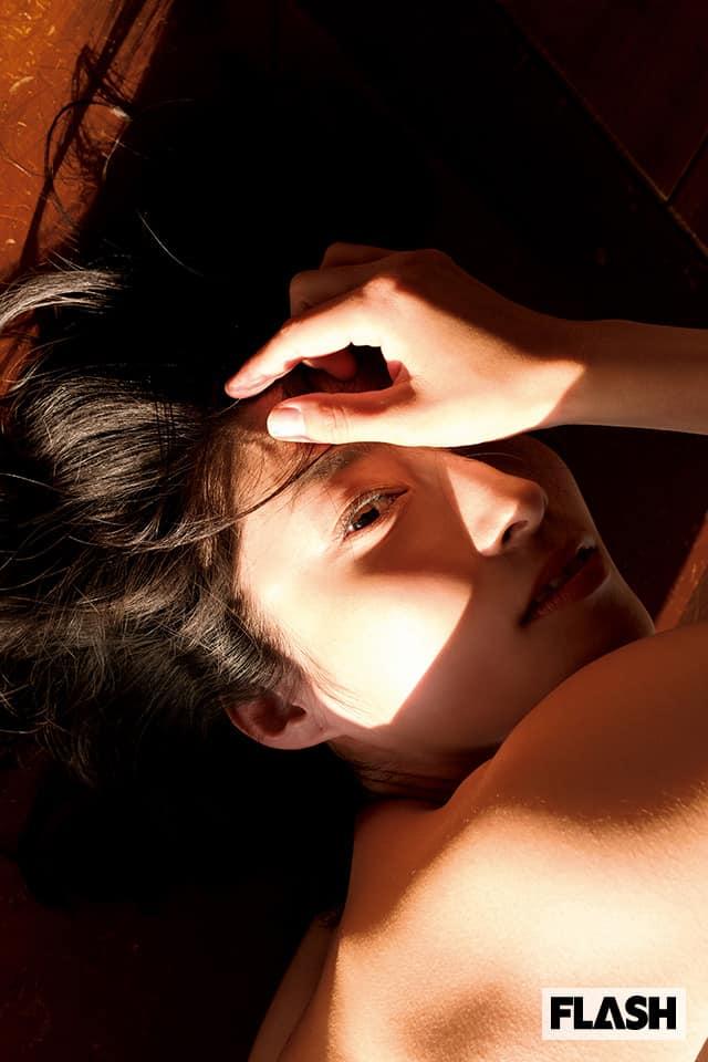 実力派女優の衝撃ヘアヌード写真集が、待望のデジタル化!