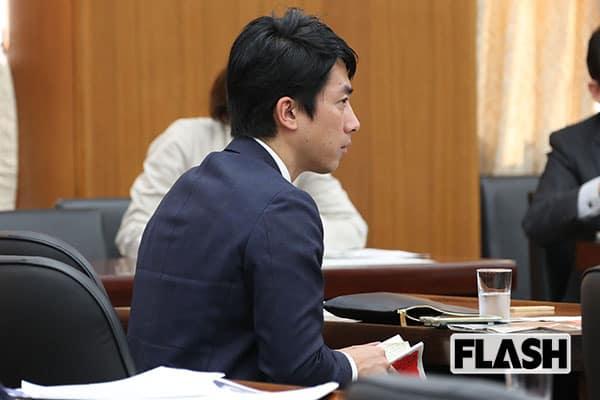 小泉進次郎が熱心に読む「反安倍」のベストセラー本