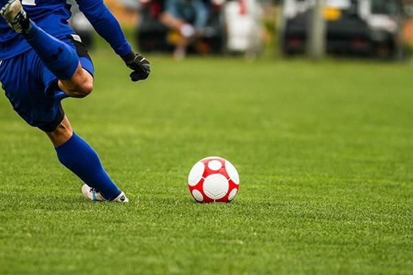 蹴球・サッカー・フットボール…日本で用語統一されなかった理由