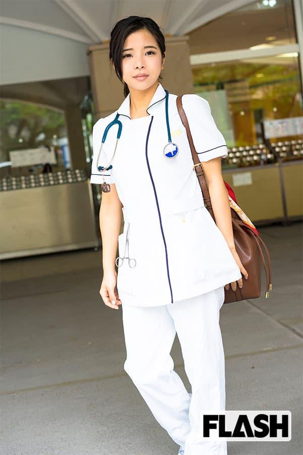 私、副業でグラドルやってます/看護師の稀水こはくクン