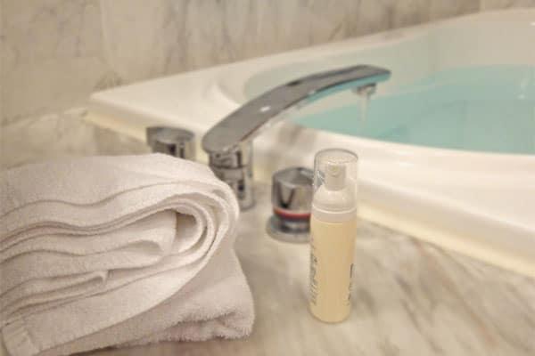 血液にオゾン、入浴は50度…君島十和子の驚き美容術
