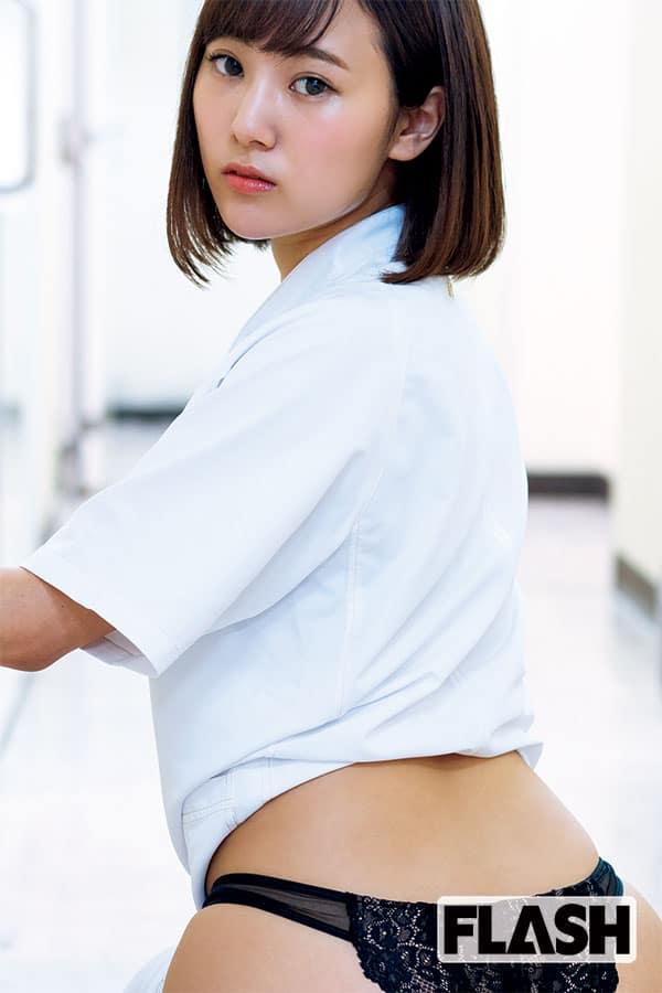 歯科衛生士の副業グラドル「西原愛夏」仕事着撮影で感嘆!