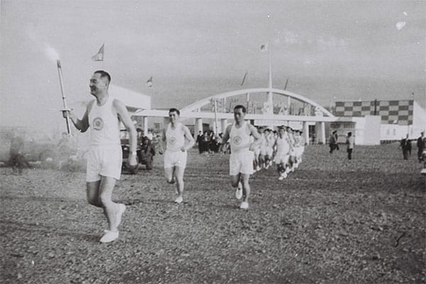 1964年「東京五輪」聖火を空輸した男/称号は「ミスター聖火」