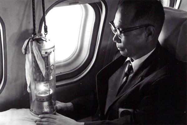1964年「東京五輪」聖火を空輸した男/不運に次ぐ不運
