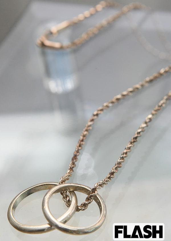 『■桑田夫妻と同じ指輪のネックレス』