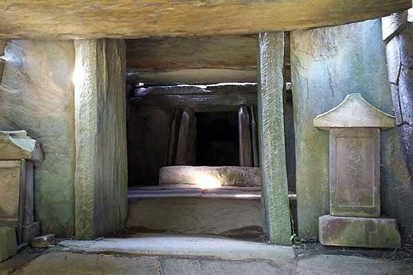 【目指せ不思議スポット】石室に入れる貴重な遺構「八幡山古墳」