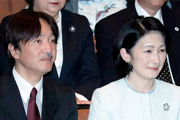 秋篠宮さま「女性宮家」創設論議で安倍首相と犬猿の仲