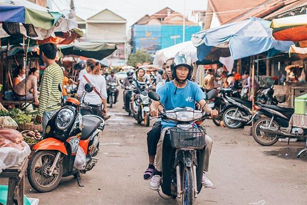安住紳一郎のカンボジア体験記「世界一美味しいお菓子屋さんが…」