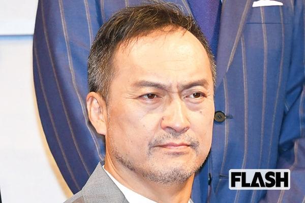 渡辺謙は全身グッチで…ハズキルーペのCM制作費は1億円!