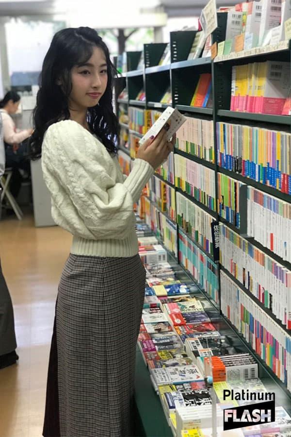 STU48 沖侑果【オフショット】Platinum FLASH Vol.7