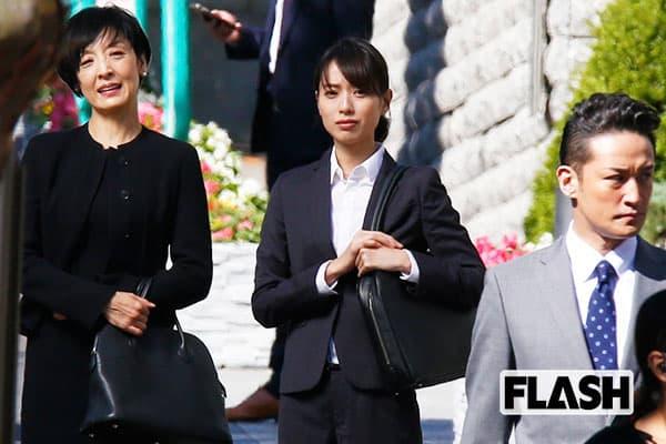 『大恋愛』ロケ現場撮「戸田恵梨香」の断捨離人生