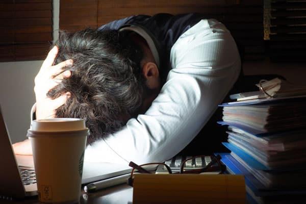 「残業ありきのライフスタイル」は、なぜ日本に定着したのか