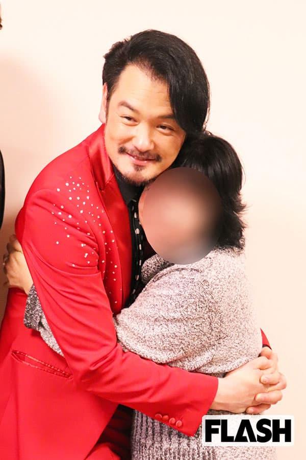 純烈・小田井涼平、LiLiCoと結婚した重圧を打破した最年長
