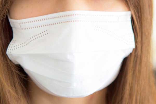 その常識は大間違い「マスク」で風邪は防げない!