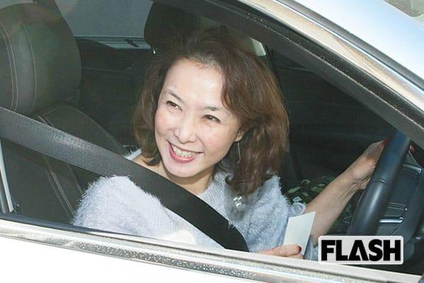 河野景子さん「講演で年収2500万円」政界からもラブコール