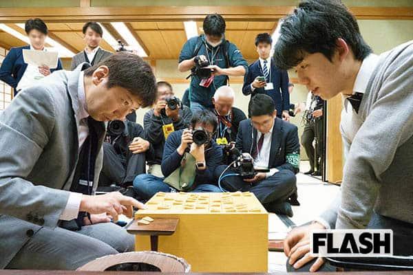 藤井聡太、師匠が語る「同時昇級」弟子に負けていられない