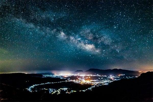 50億年後の宇宙を大予想!太陽と地球と天の川が消滅して…