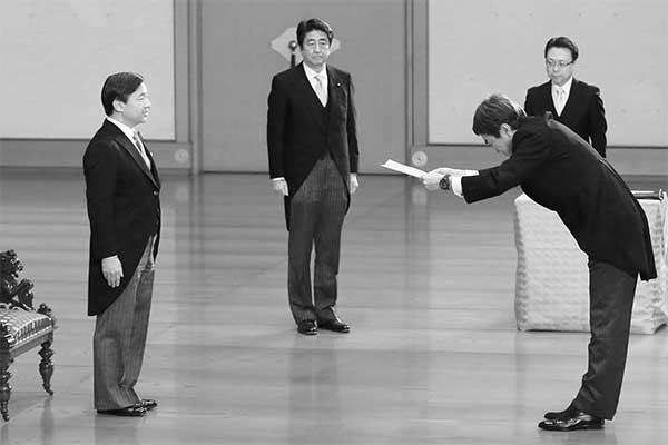 安倍昭恵夫人のすすめで土産を購入「皇太子さま」のお人柄は…