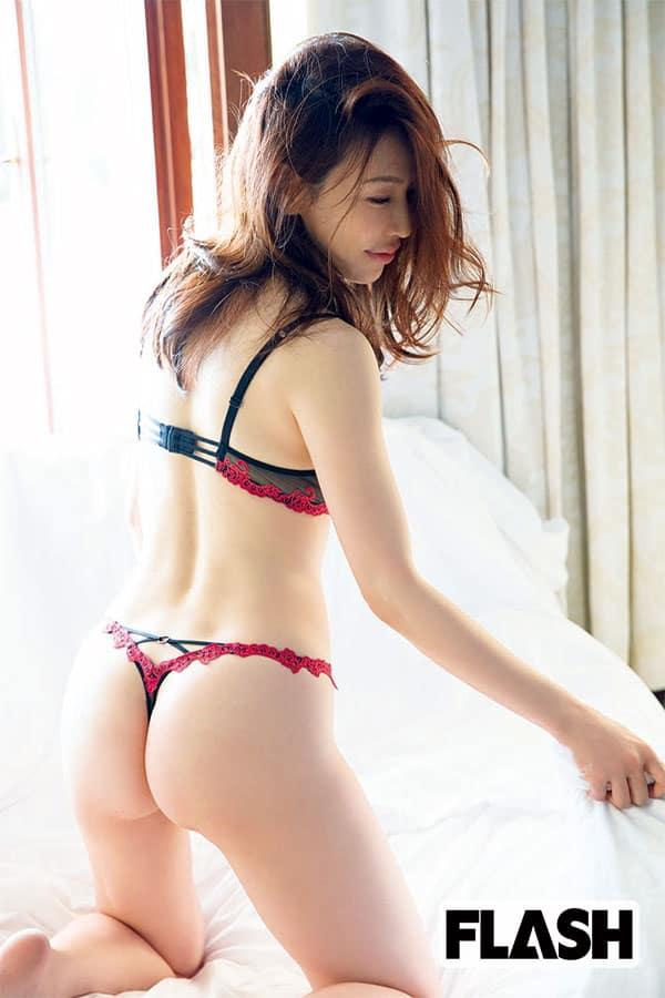 美熟女クイーン「岩本和子」の自作官能ポエムを独占公開!