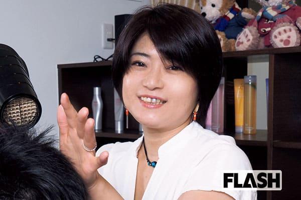 元「少女隊」市川三恵子、経営する理容店にはいまもファンが
