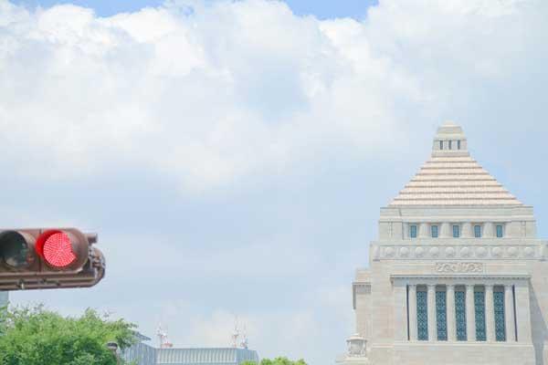 「戦争」発言の丸山穂高議員に、同期の宮崎謙介がアドバイス