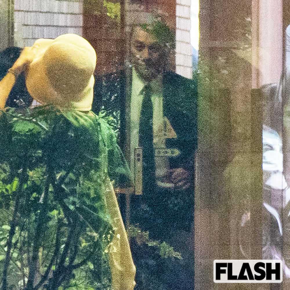 初公判後に「ピエール瀧」警官護衛のなか深夜2時の逃避行