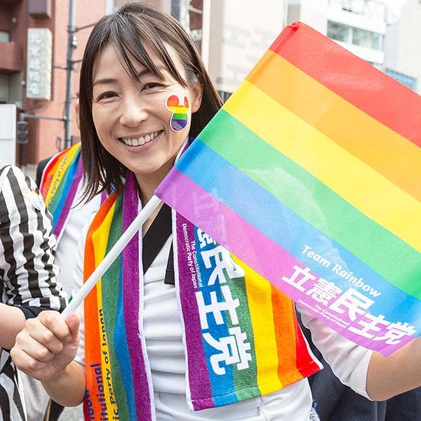 夏の参院選女性候補に蓮舫と辻元清美がマウンティング合戦