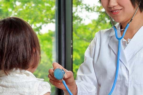 かつては人気だったのに…「女医」が内科を敬遠する理由