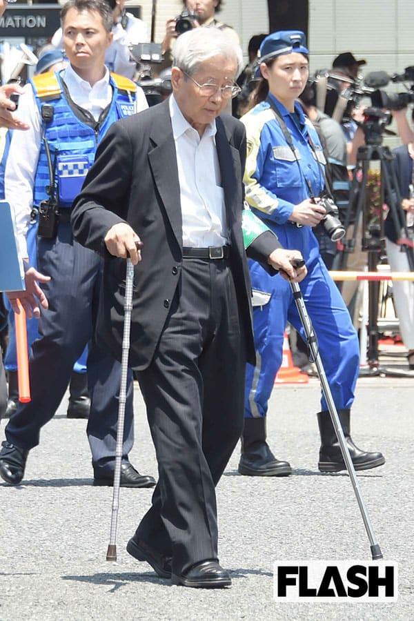 """池袋暴走事故「飯塚幸三容疑者」の自宅は""""上級""""警護中"""