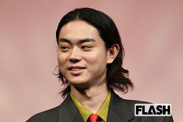 菅田将暉、独身暮らしで足の踏み場もない「汚部屋」住まい