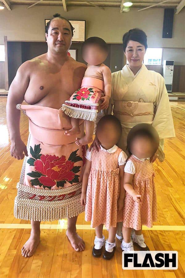 土俵人生に終止符「安美錦」美人妻が「まずは50kg痩せて!」