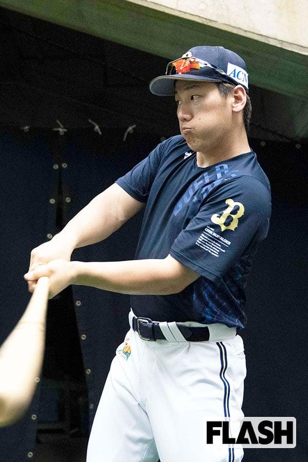 月間MVP「オリックス吉田正尚」力の源は美人妻の「手羽先餃子」
