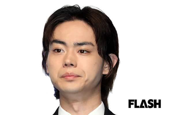 何回も職質される「菅田将暉」夜のサングラスと帽子はダメかも