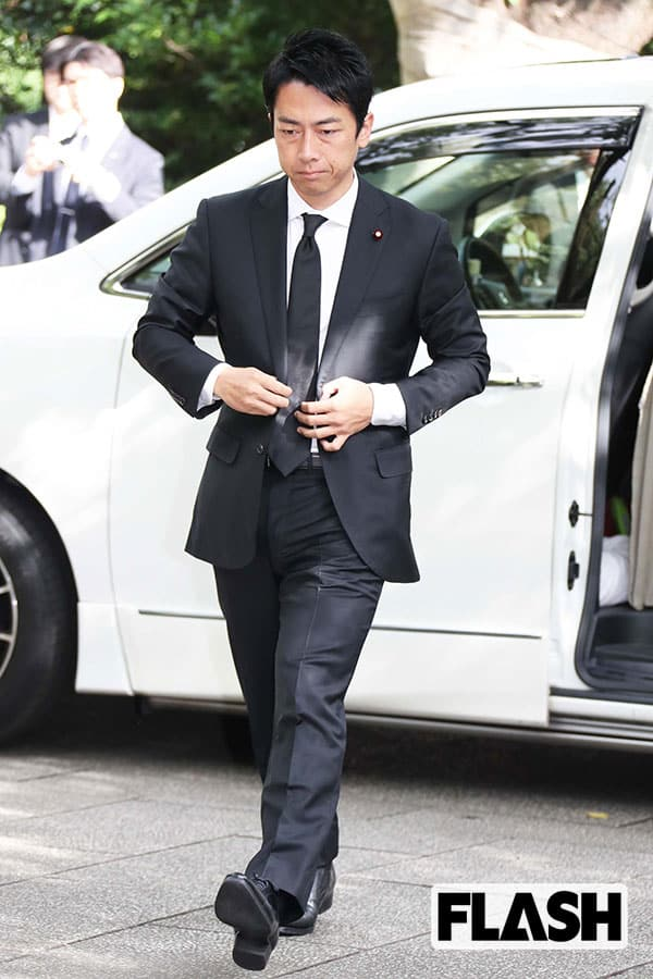 小泉進次郎、滝クリの「婚前妊娠」で不本意な9月入閣