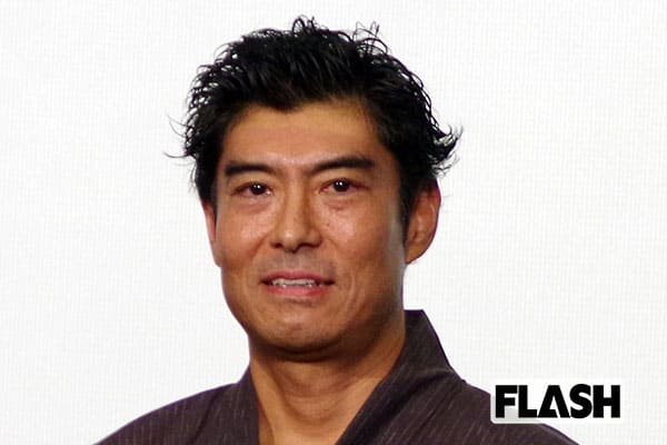高嶋政宏、大人のセクシージョーク連発で会見盛り上げる