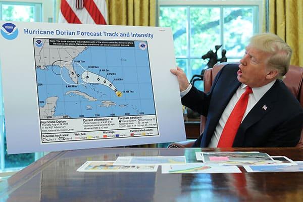 トランプ大統領、台風の進路を勝手に決めて落書きブーム作る