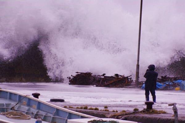 内山信二「台風だからこそ会社へ行け」チャンスはピンチにあり