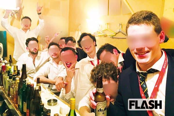 ラグビーW杯、新宿に「偽オールブラックス」出没の奇々怪々