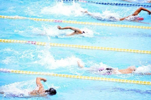吉川晃司、徒歩通勤して水泳は年に300日「体と知恵が資本」