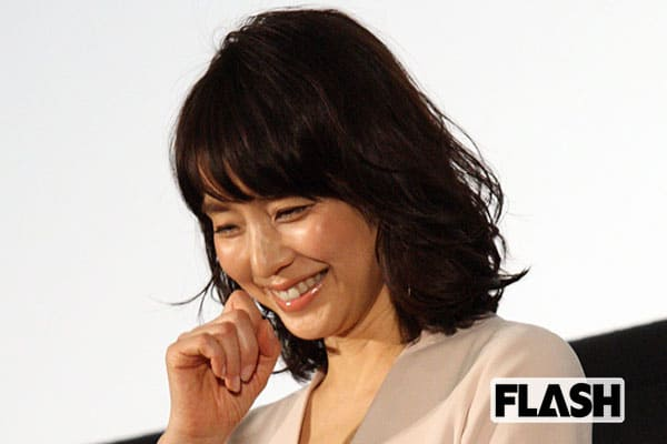 石田ゆり子、パリで爆買い「お金は紙、経験に換えないと」
