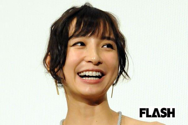 篠田麻里子が明かした「交際0日婚」トラックの騒音のおかげで…