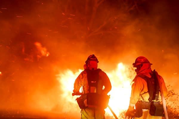 囚人消防士から消火ビジネスまで…「カリフォルニア大火」舞台裏
