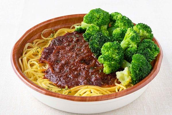 ファミマの「コンビニ飯」なら630円で野菜が摂れる