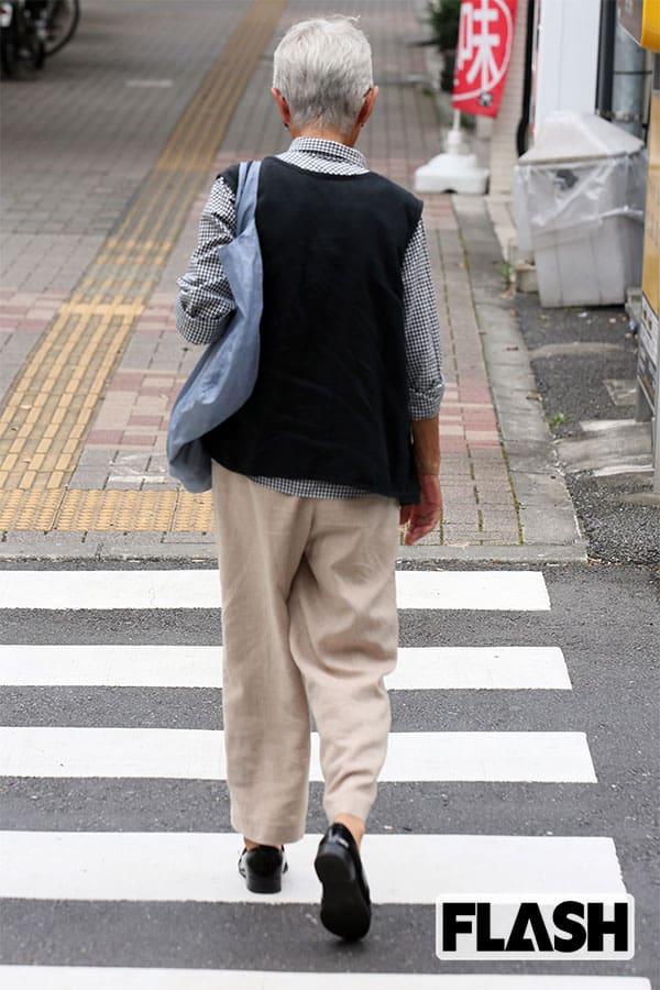 親の認知症、あなたの母は「横断歩道の白線」をまたげるか