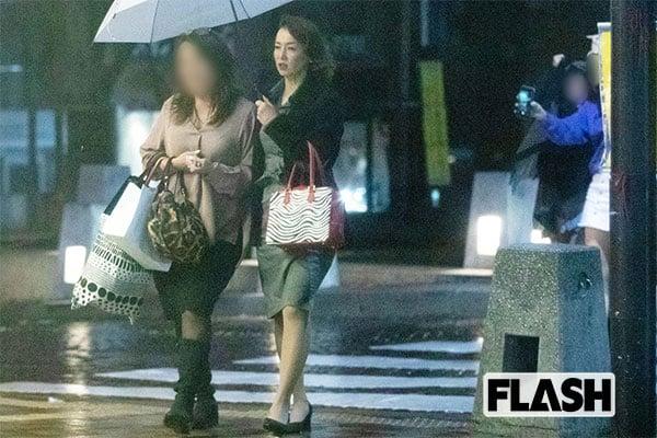 貴乃花の元妻「河野景子」娘を連れて飲み歩き【発見撮】