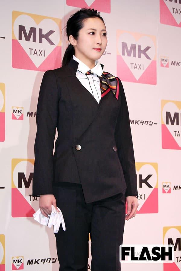 ミスFLASH2019「阿南萌花」MKタクシー新制服モデルに