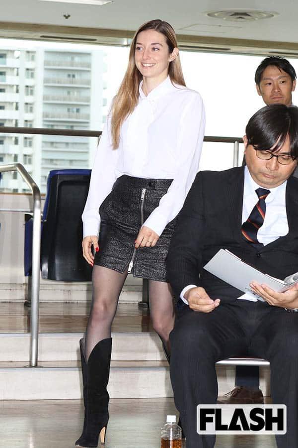美しすぎるミカエル・ミシェル騎手の「倒せ、藤田菜七子!」